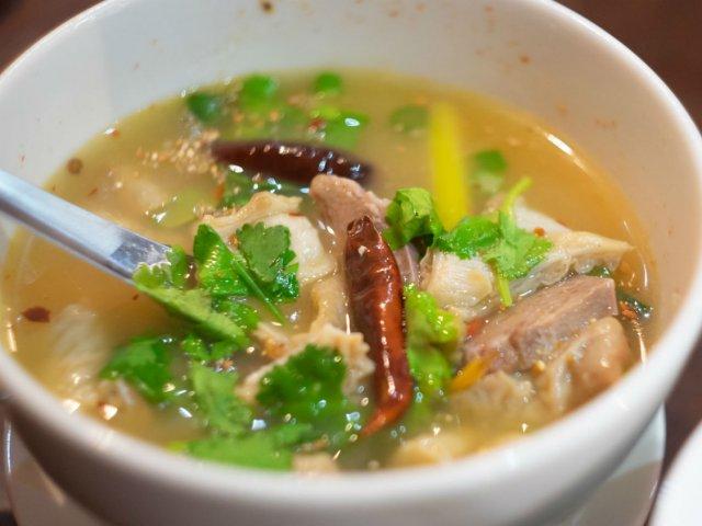 食べたら「セープ」と言ってみて!ハズレなしのタイ東北部出身シェフの店