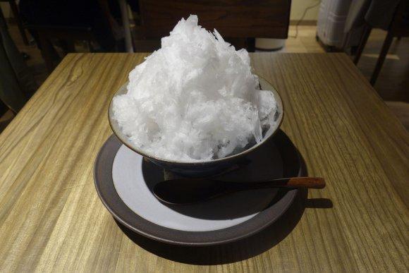 あのどら焼きの粒あんを使用!「うさぎやCAFE」の口溶け抜群なかき氷