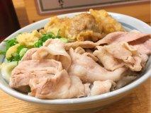 鶏天&豚バラの乗った肉三昧うどんが旨い!行列の出来るうどん店『甚三』