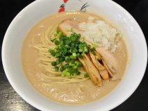 人気ラーメン店の2号店!超濃厚どろ系スープの鶏白湯が看板メニューの店