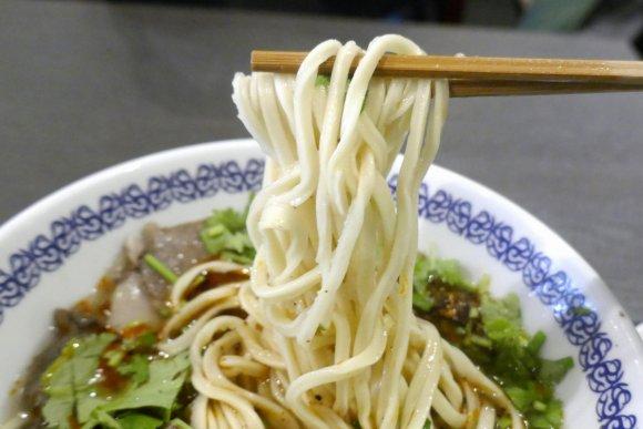 連日スープ完売の大盛況!中国の人気ラーメン店1号店が神保町にオープン