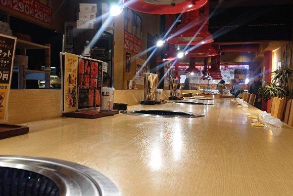 たっぷり250g!焼肉の本場・鶴橋で食べるがっつりホルモンランチ