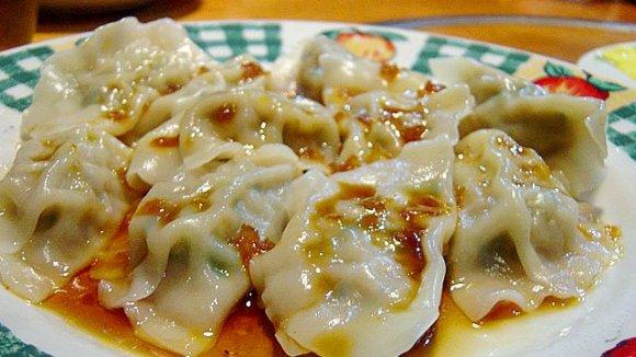 あて巻きに鉄鍋餃子、肉盛り!福岡に来たら食べるべき美味い逸品がある店