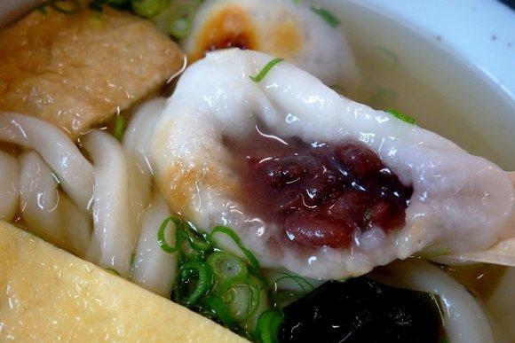 香川のソウルフード!?人気番組でも紹介された「アン雑煮うどん」が旨い