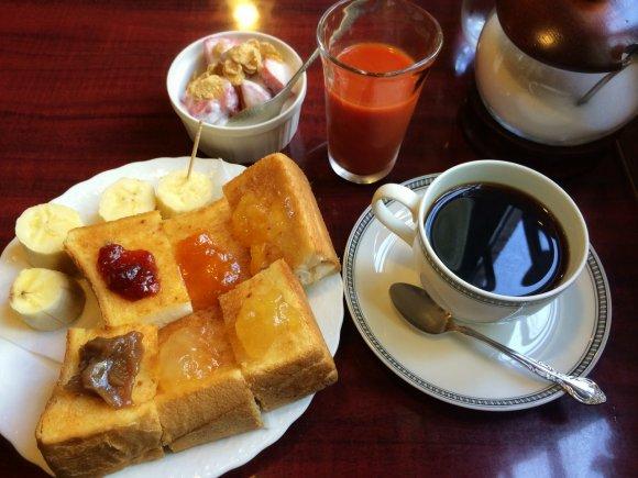 6種のジャムが一度に!京都の純喫茶でカラフルモーニング!