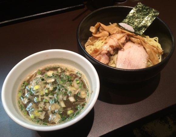 恵比寿に細つけ麺の傑作登場。その名も「鯛焼干つけそば」!