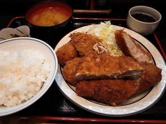 パワーランチにも!赤坂のがっつり系ランチが美味い店記事6選
