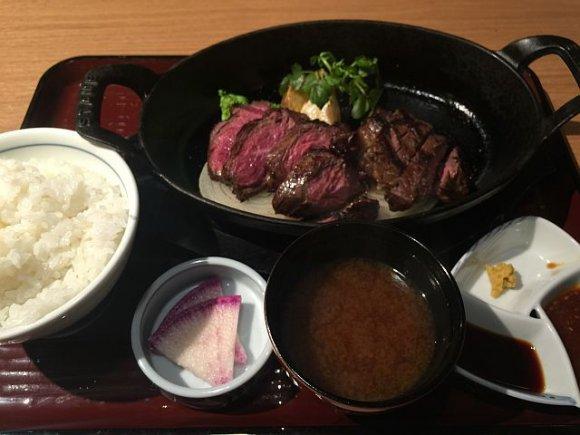 昼からガツンとステーキ!溢れる肉汁が格別な赤坂のランチ5選