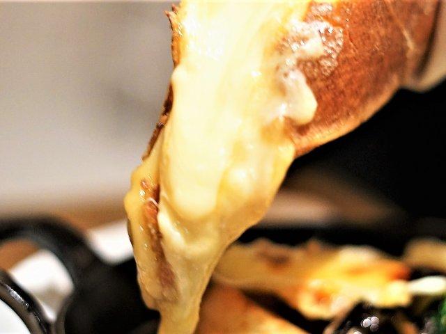 チーズタバーン カシーナで堪能!ラクレットなどチーズを味わい尽せる店