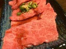 黒毛和牛が驚きの価格!福岡で絶対行きたい行列必至のコスパ最強焼肉店