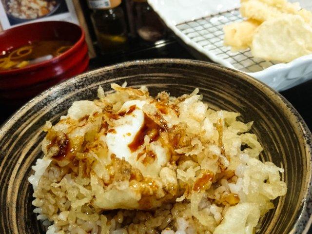 レベルは高く!価格は低く!オリーブオイル100%使用の天ぷら専門店