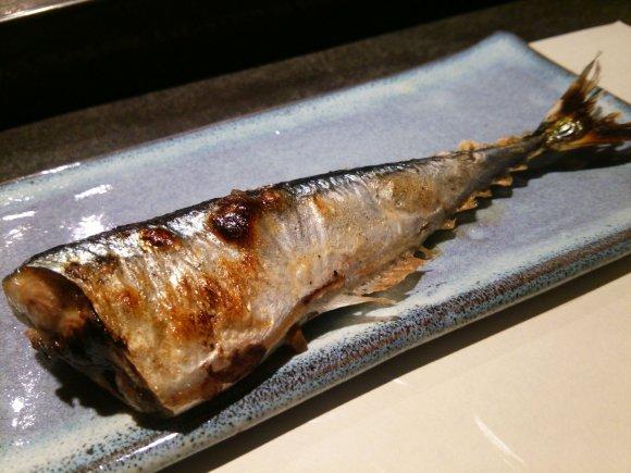 ウニの軍艦巻を熟成肉で!?ダブルでとろけるウニ・熟成肉祭り