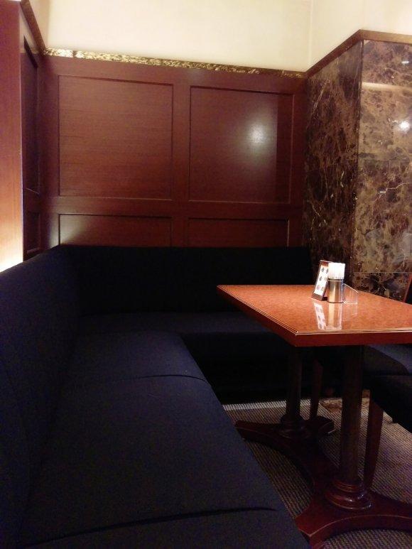 大阪の超有名老舗喫茶!なんば本店で優雅なワッフルモーニング