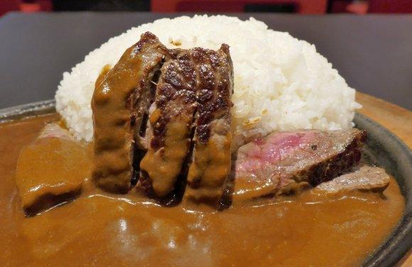 アキバで肉もカレーも食べたい!そんな日におすすめの990円お得ランチ