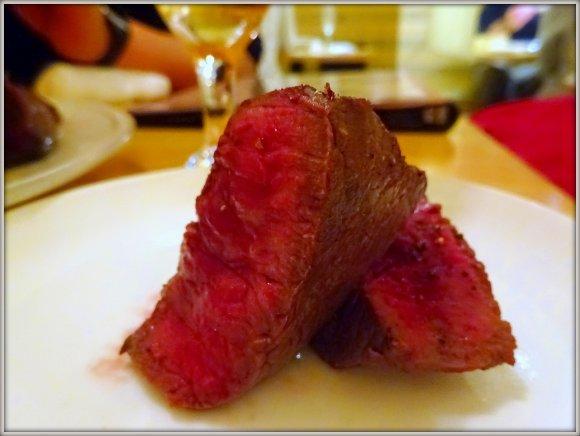 見渡す限り肉だらけ!溢れんばかりの肉食欲が満たされまくる肉バル