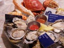 牡蠣料理にグルメバーガーも!話題の日比谷周辺で押さえるべきお店を厳選