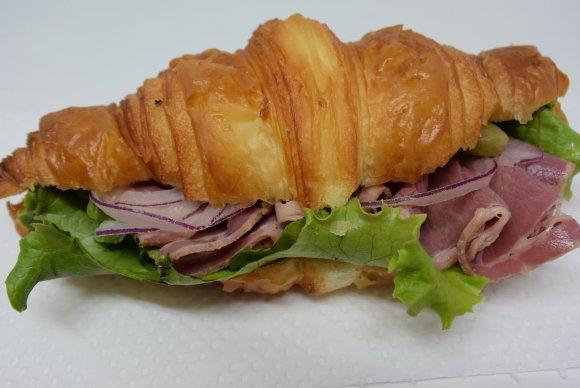 ランチはパンが食べ放題!ハード系好きなら絶対に行くべきパン屋さん