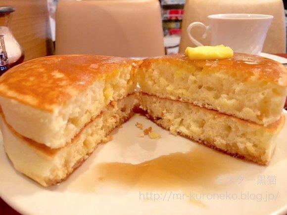 自己主張ある厚み!昔ながらの純喫茶で激ウマホットケーキを