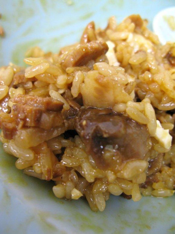 愛媛で食べるべきご当地料理!絶妙なハーモニー『焼豚玉子飯』