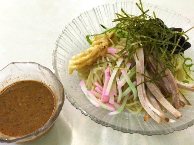 つけ麺の魁!?現存する最古の中華そば屋で64年前に生まれた冷麺を食す