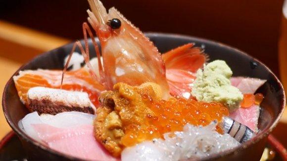 東京都内でおすすめの海鮮丼!ランチにデカ盛りなど美味しい海鮮丼のお店