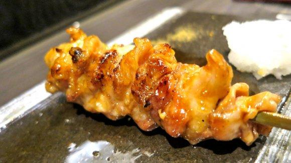 鶏の旨さを堪能できるコースがおすすめ!ジューシーな炭火焼鳥と地酒の店