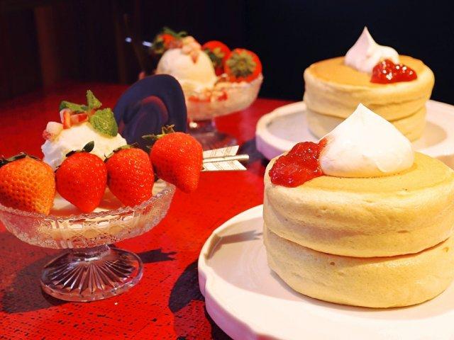 北海道発!銀座のふわふわホットケーキ店に4種の苺の限定メニューが登場
