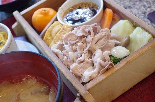 特製そばつゆで食す、本場鹿児島の特上黒豚しゃぶかつ@日比谷
