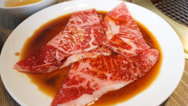 銀座なのに驚きのコスパ!1000円台で韓国料理が食べ放題の焼肉ランチ
