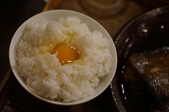 デカくて美味い魚とご飯を堪能できる定食屋『ごはんや 飯すけ』