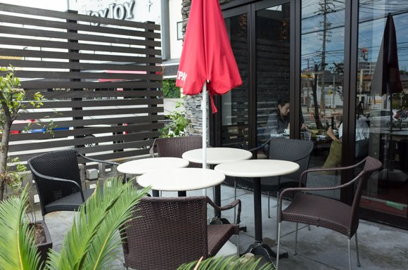 ランチがハイレベル!ワンちゃんも子連れもOKの南国リゾート風カフェ