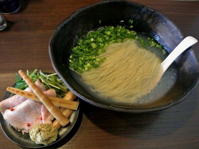 貝の旨みを存分に堪能!札幌の話題店の季節限定・冷たいラーメン「貝感」
