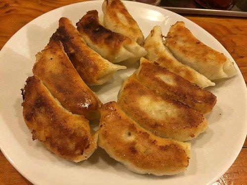 一口餃子から鉄鍋まで!東京近郊で食べられる「九州生まれの餃子」4選