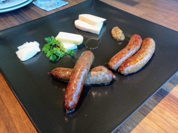 超濃厚チーズと羊肉のハーモニー!レアな北海道産の羊肉を味わえるお店