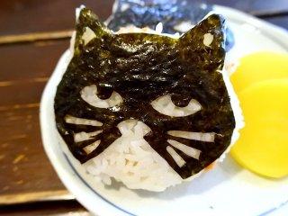 店主の猫愛が溢れる下町のガッツリ系喫茶店、黒猫舎(でも猫はいません)