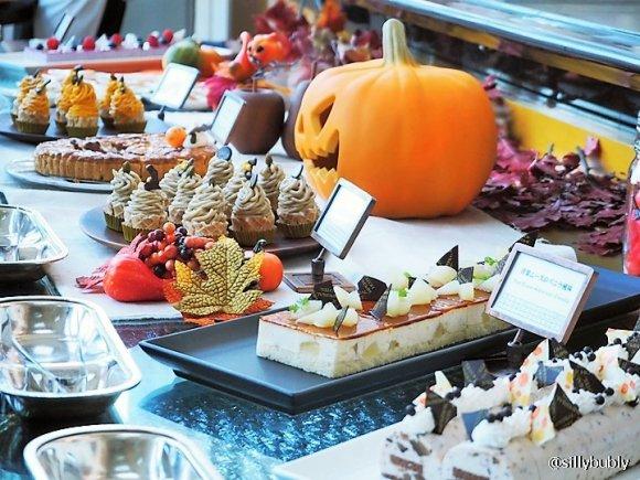 秋の味覚どっさり!ハロウィン限定・有名ホテルのスイーツビュッフェ