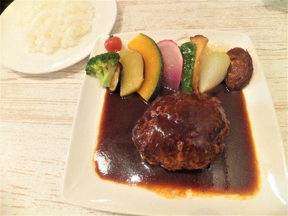 4月1日閉店!野菜ソムリエのこだわりが詰まった絶品ハンバーグ専門店