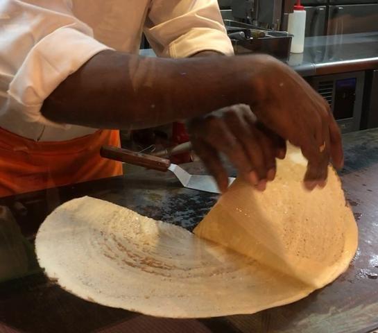 アフタヌーンティーセットまで揃う!南北のインド料理が楽しみ尽くせる店