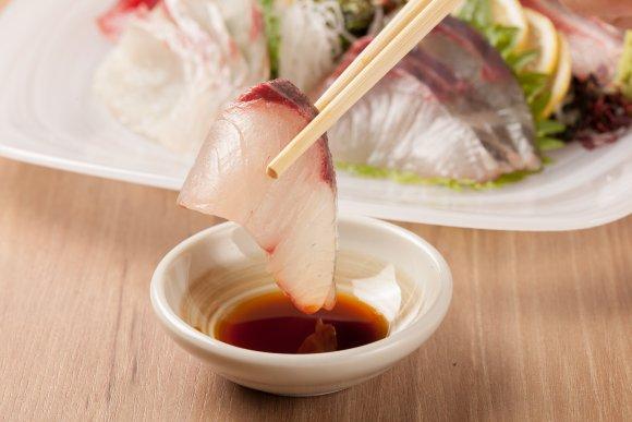 刺身、海鮮丼…全10品飲み放題付4500円!産地直送鮮魚を楽しむ新店