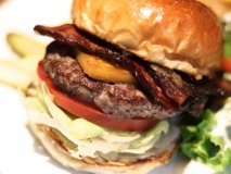 肉汁溢れるパティが旨い…!名古屋で美味しいハンバーガーが楽しめるお店