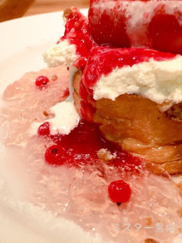 桃まるごと!ピーチメルバのフレンチトーストで世界一の幸福を