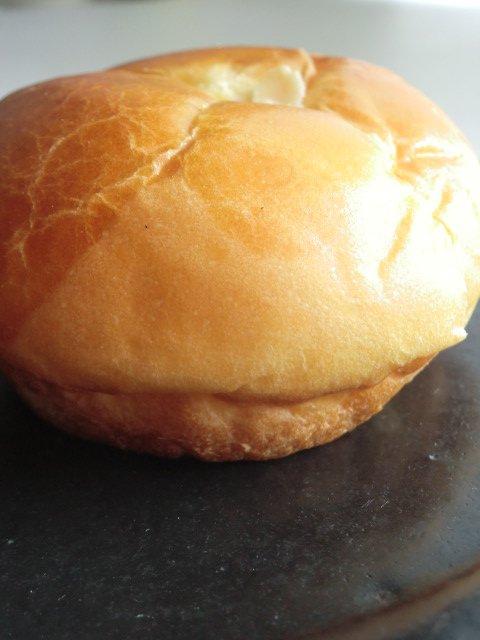一見町のパン屋さんでも拘り満載!クリームパンが美味しい本格ベーカリー