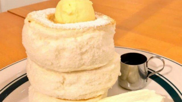 驚愕のビジュアル!高くそびえ立つ美味しいパンケーキタワー5選