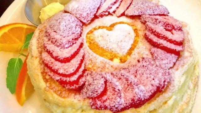 とろけるパンケーキがオススメ!ふわふわ食感で幸せ気分になれるお店3軒