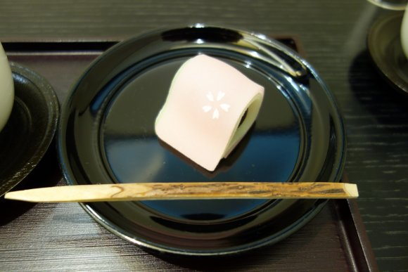 京都はやっぱり和菓子!日本人なら絶対に食べてほしいカワイイ和菓子4選