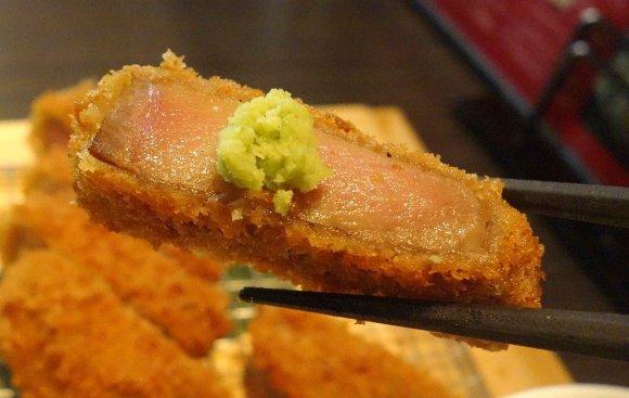 濃厚な脂の旨みが凝縮!とろける味わいの極トロレア舌カツ定食