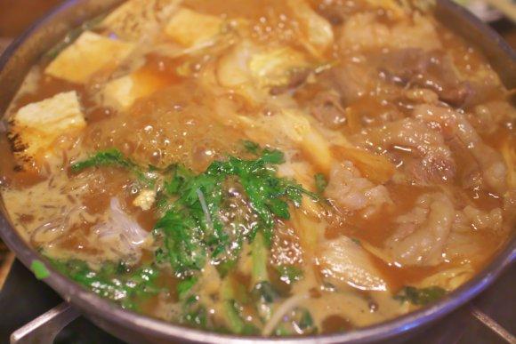 【忘年会にも】必食!食通が選ぶ、この冬食べたい旬の味覚の絶品鍋7店