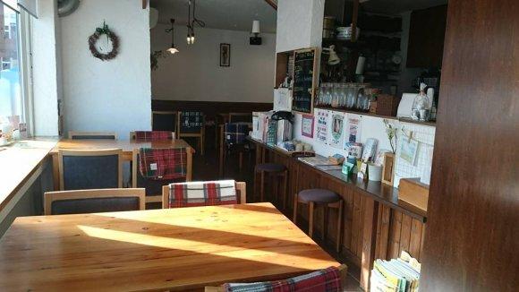 今増加中の「自宅改装カフェ」の老舗!良バランスの家庭料理が人気のお店