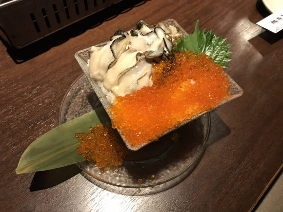 こぼれるいくら!カキ!帆立!丼から溢れる海鮮こぼれ飯が絶品のお店4選