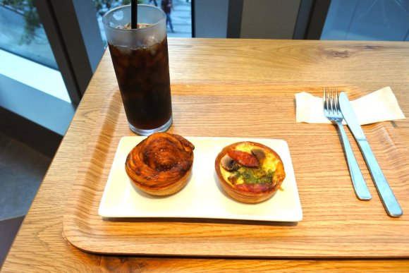直径7cmの世界に料理を詰め込んだ!彩り豊かなキッシュが可愛いカフェ